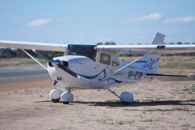 The gorgeous VH-KXW G1000 C172 from Curtin Flying Club